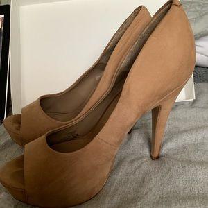 Jessica Simpson tan suede 3 inch heels open toed